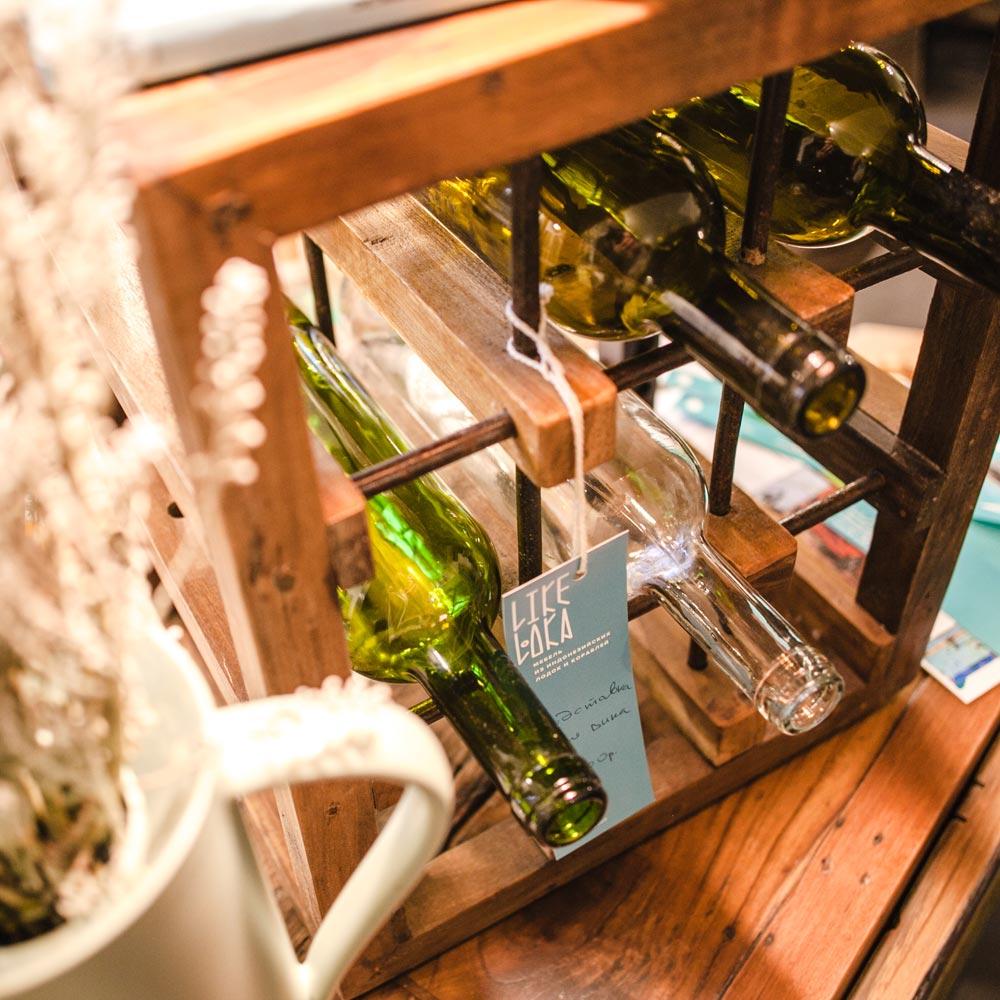 podstavka dlya vina iz korabelnoi drevisini